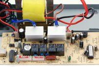 Релейный стабилизатор (устройство)